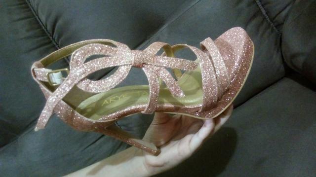 68872c573 Sapatos de festa feminino num 33 os dois por R$ 80,00 (LEIA A ...