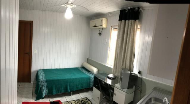 QUITINETES mobiliadas, com internet, Nettv, camareira e lavanderia cortesia p/hospede - Foto 9