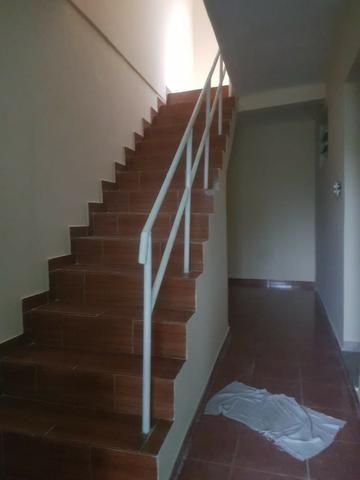 035 Casa 3 qts, quintal livre na frente - junto ao Viaduto - Nilópolis - Foto 12