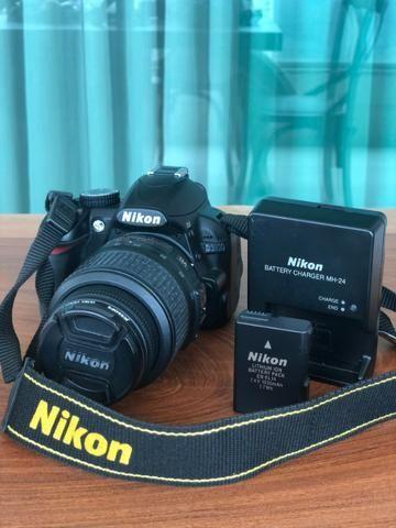 Câmera Nikon D3100 e Lente Nikon Nikkor 18-55mm (KIT)