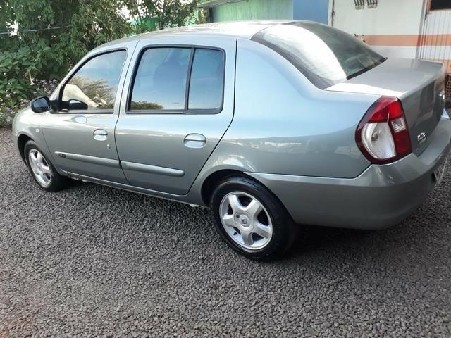 Clio 1.6 sedan completo (muito barato) - Foto 3
