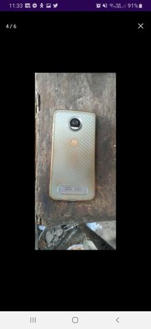 Moto z2 play .64.g 500 reais dispenso curioso!! - Foto 3