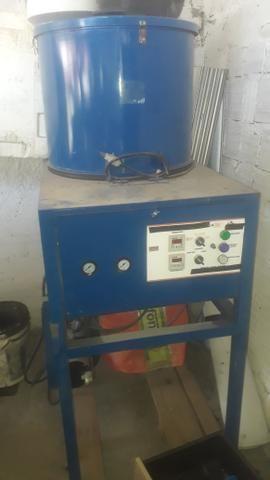 Maquina de descascar alho a ar, Aconpanha compressor 30 pés 250 litros 175 psi - Foto 2