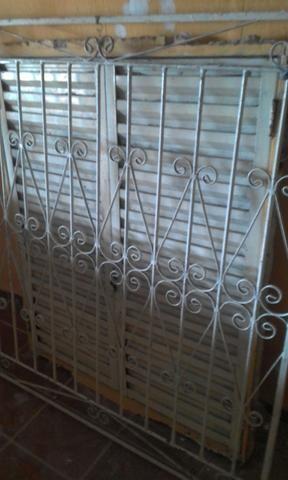 Vendo portão e grade barato! - Foto 3