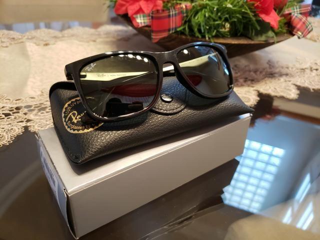 Vemdo oculos de sol Ray Ban Original e em estado de novo ... d4fe15e1d2