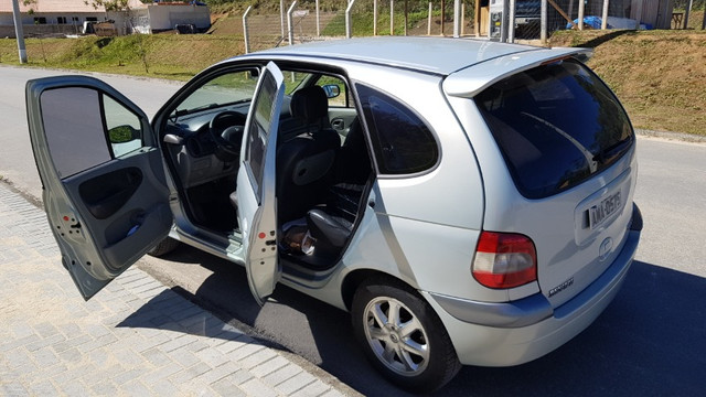 Renault Scénic 2.0 16V Privilége Plus. GNV e Gasolina. Cambio Aut. Top de linha - Foto 9
