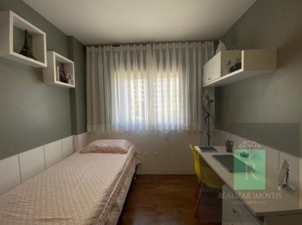 Ótimo apartamento com 03 dormitórios no bairro Balneário - Foto 12