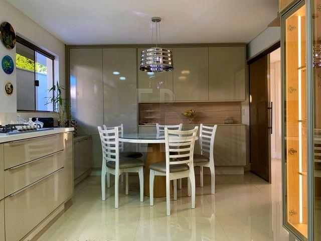 Casa de condomínio para venda com 585 metros quadrados com 5 quartos - Foto 17