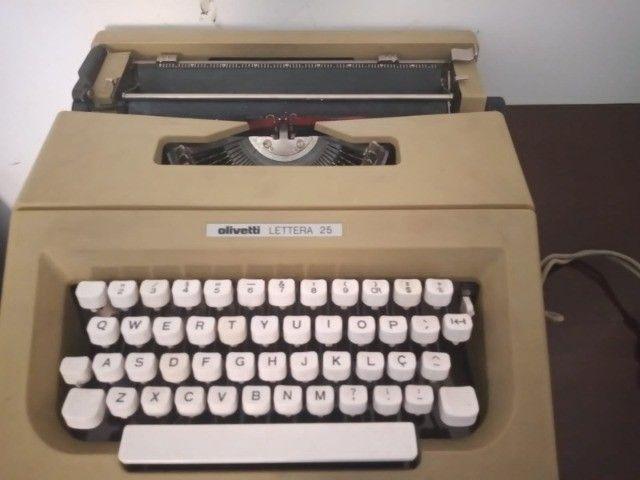 Máquina de escrever e digital  - Foto 2
