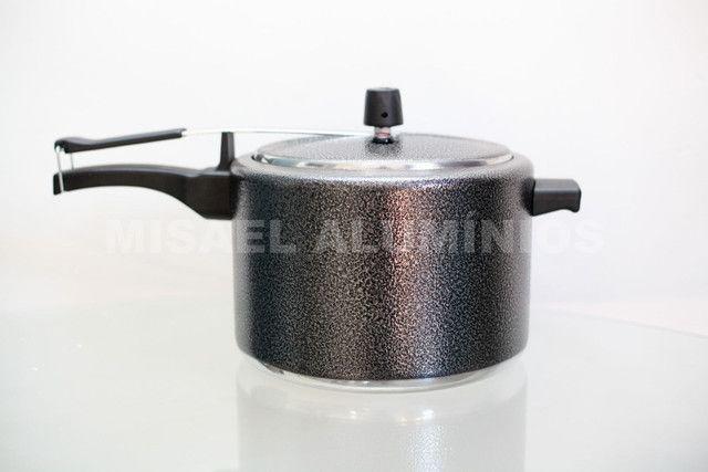 Panela de pressão 4.5 litros  - Foto 2