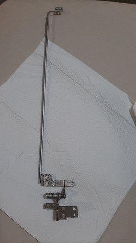 Dobradiça do Lcd Samsung Np300e5k Np300e5m - Apenas lado esquerdo!