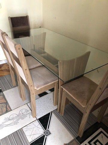 Mesa de vidro de MDF com 4 cadeiras  - Foto 2