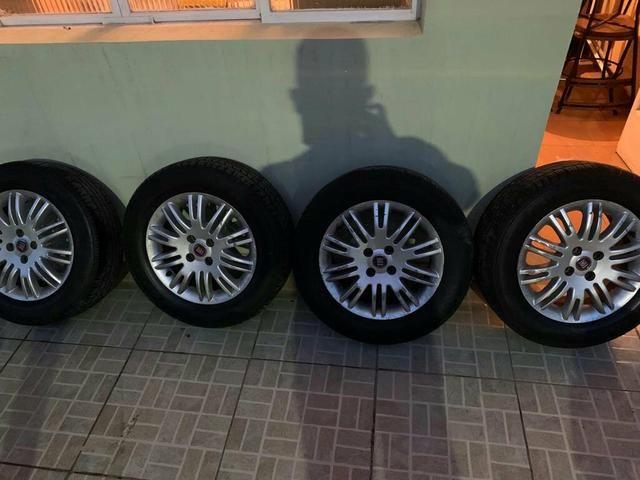 Vende se ou troca em 4 pneus 205/50/17 em bom estado - Foto 3