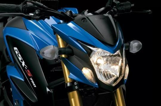 Yamaha Xj6 N - Suzuki - Gsx-s 750a