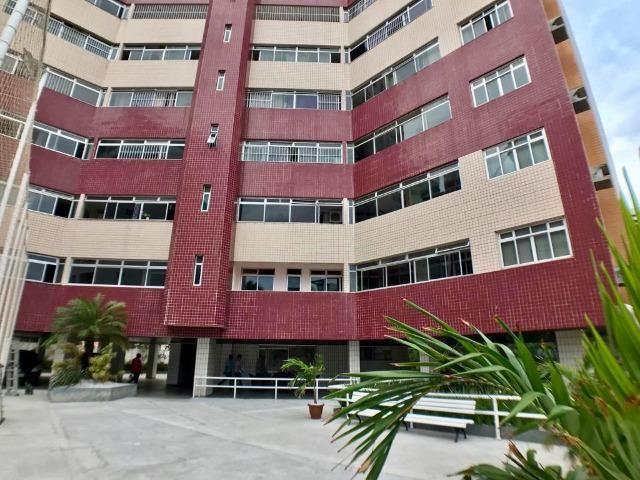 Apartamento no Cocó com 132m², 03 quartos e 02 vagas - AP0611