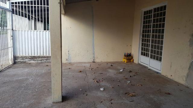 Casa de 2 Quartos - Escriturada com Barraco de Fundo - Aceita Proposta - Foto 11
