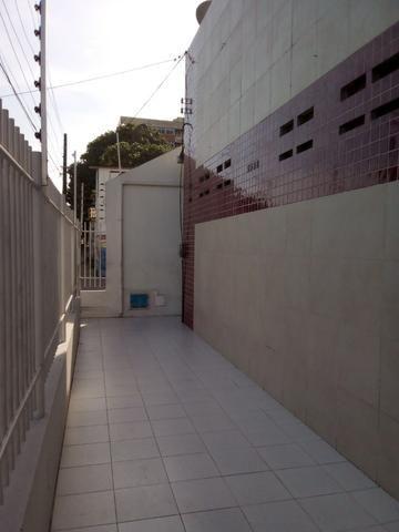 Aluga-se Kitinetes na Av. João Pessoa Próximo ao Imphar - Foto 3