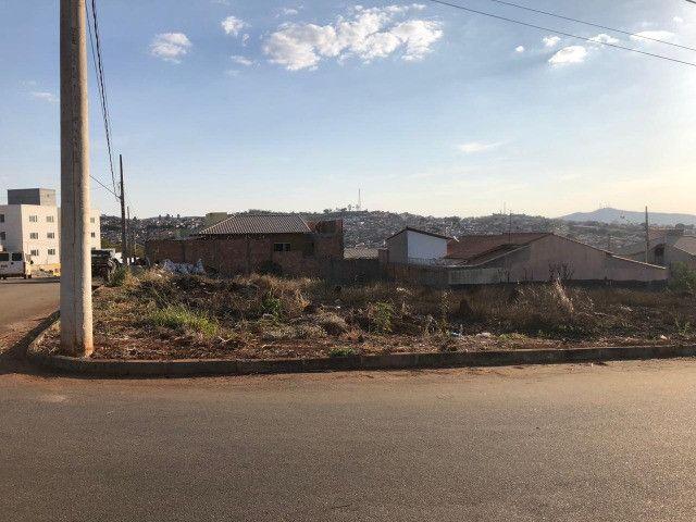 Lote comercial e residencial no bairro eldorado em para de minas 354 m²