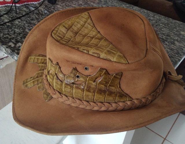 Chapéu de Couro Legítimo - Detalhes em couro de jacaré - Tamanho médio