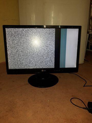 Tv LG Flatron M2280A 21.5 polegadas