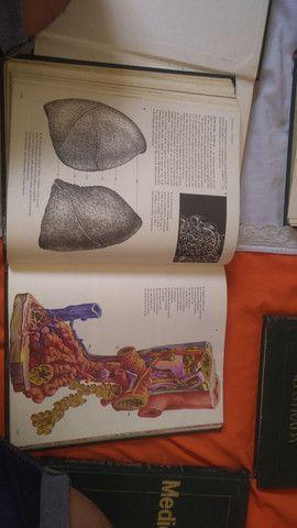 (Coletânea )de 6 livros de medicina ilustrada.livros muito informativos - Foto 5