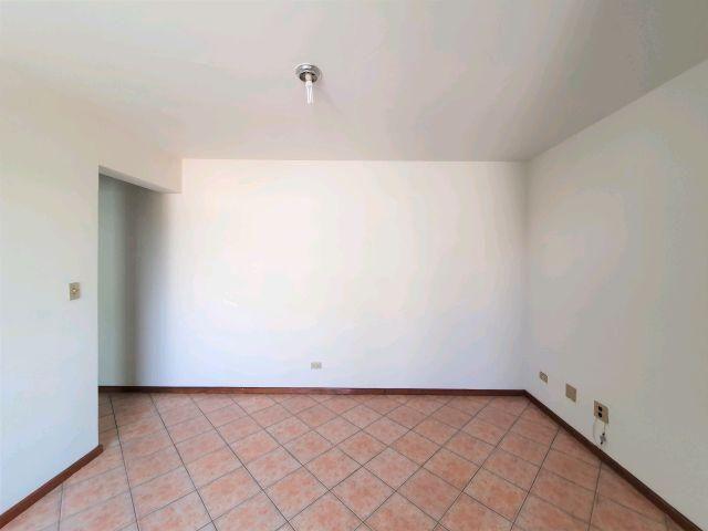 Locação   Apartamento com 29 m², 2 dormitório(s), 1 vaga(s). Zona 07, Maringá - Foto 4