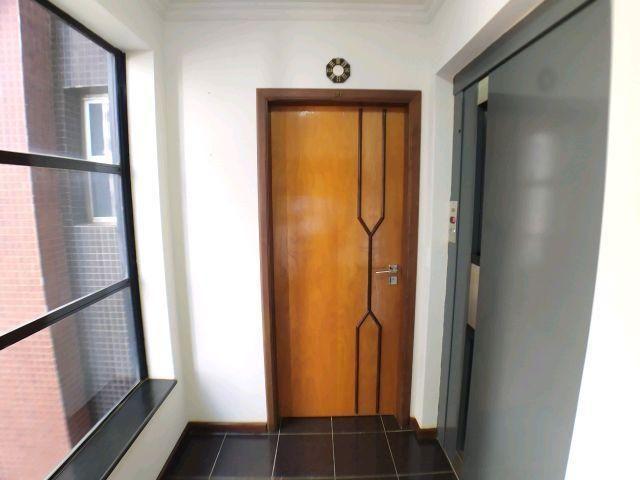 Locação   Apartamento com 204.23m², 3 dormitório(s), 1 vaga(s). Zona 01, Maringá - Foto 2