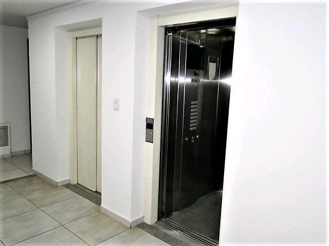 Locação | Apartamento com 21.37 m², 1 dormitório(s), 1 vaga(s). Zona 07, Maringá - Foto 4