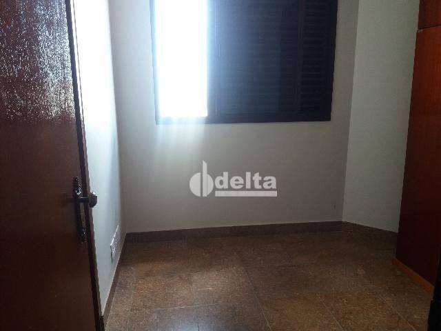 Apartamento com 3 dormitórios para alugar, 200 m² por R$ 2.500,00 - Centro - Uberlândia/MG - Foto 4