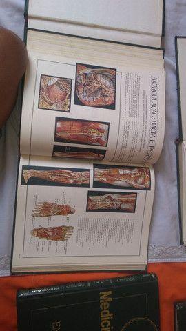 (Coletânea )de 6 livros de medicina ilustrada.livros muito informativos - Foto 3
