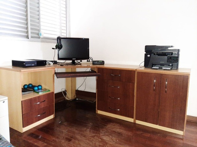 Mesa escritório / quarto
