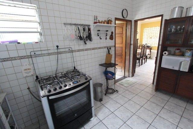 Casa bairro Poço Panela/Casa Forte vendo ou permuto 3 quartos 5 vagas 220m2, Recife - Foto 13