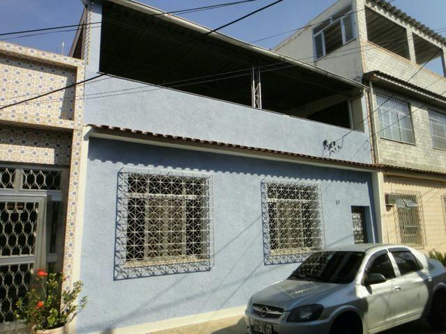 Casa duplex Realengo aloja 2 familias condicoes de desmembramento em 2 casas