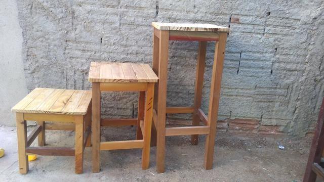Banquinhos de madeira - Foto 2