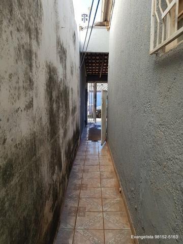 Urgente Linda Casa de 3 Quartos Escriturada + Barraco de Fundo - Foto 8