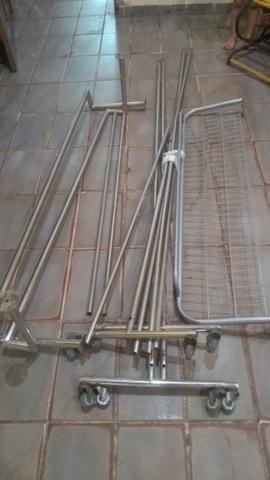Estrutura de loja em inox