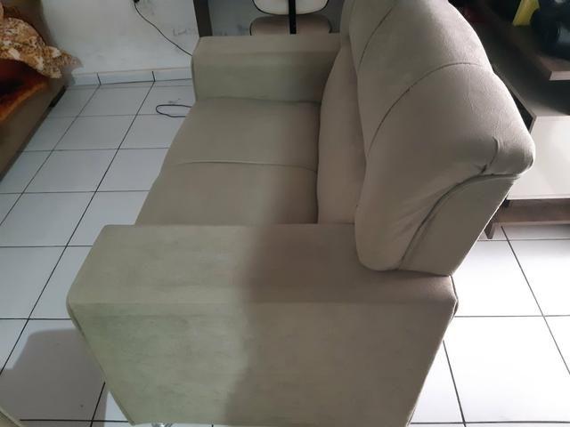 Vendo dois sofá semi novos - Foto 5