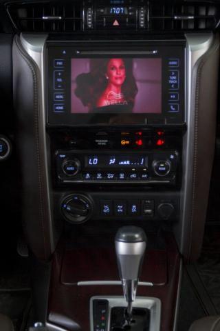 Hilux SW4 2.8 SRX Diesel 4X4 2016 Branca Completa 7 Lugares - Foto 12