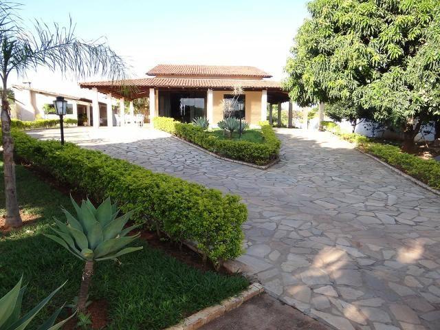 Arniqueiras QD 04 Casa 4 qts 3 suítes lazer lote 2.287m pode dividir só 950mil Ac Imóvel - Foto 2