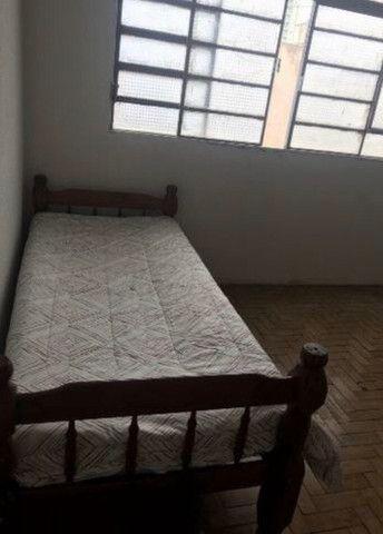 Alugo quartos no Centro - Foto 3