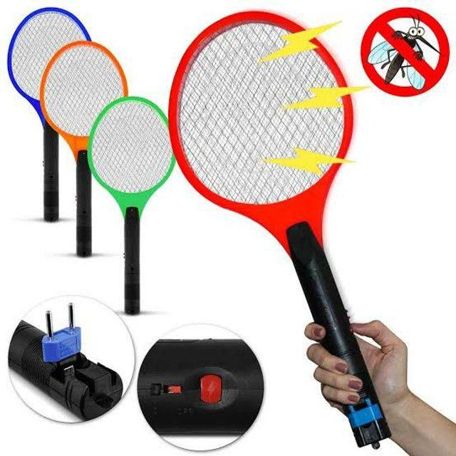 Raquete Para Matar Mosquitos E Moscas Recarregável110/220 - Foto 4