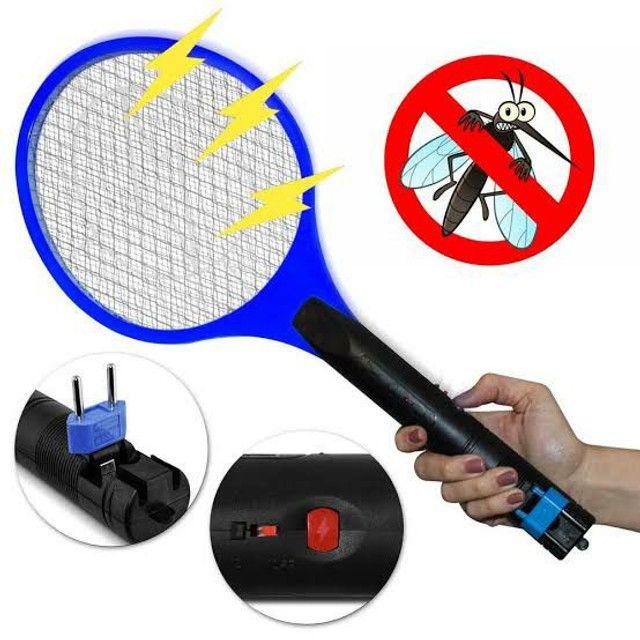 Raquete Para Matar Mosquitos E Moscas Recarregável110/220 - Foto 5