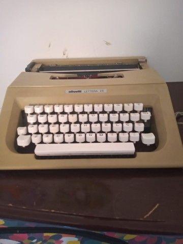 Máquina de escrever e digital  - Foto 4