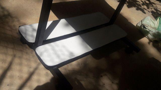 Mesa com cadeira - Foto 2