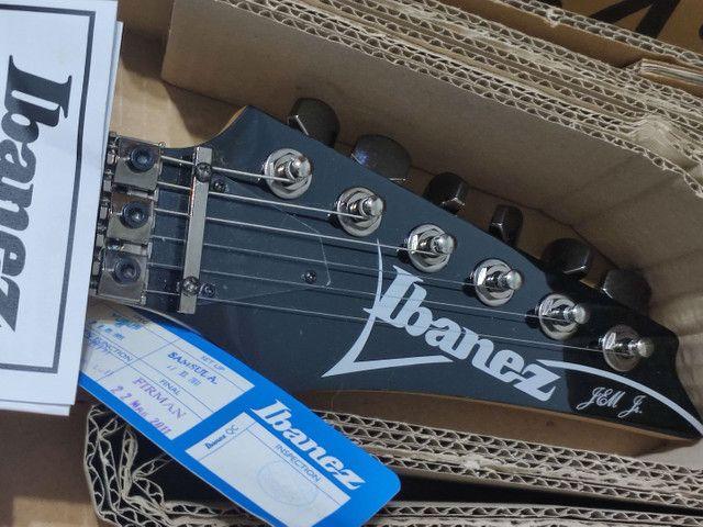 Guitarra Ibanez JEM Jr. Black - na caixa (somente Maringá) - Foto 4