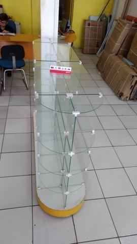 Gondola de centro de vidro ( usada)