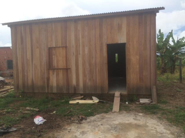Troco casa da vila do Incra em Rio Branco