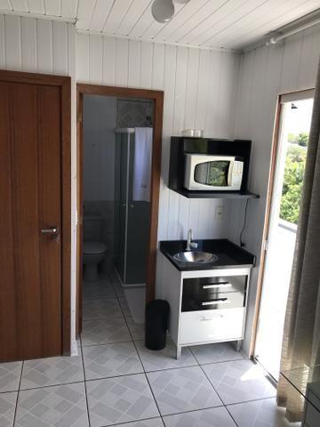 QUITINETES mobiliadas, com internet, Nettv, camareira e lavanderia cortesia p/hospede - Foto 14
