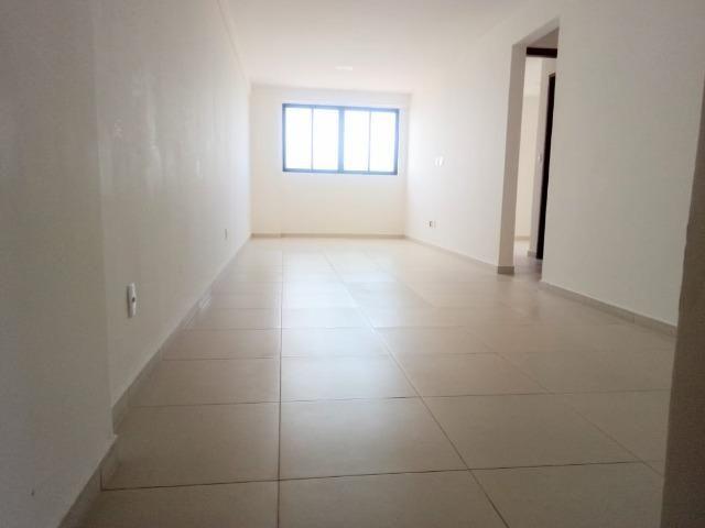 Apartamento no Bairro da Torre 2 Quartos com área de lazer - Foto 14