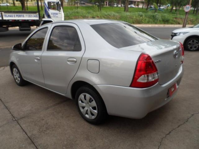 Toyota etios sedan 2014 1.5 x sedan 16v flex 4p manual - Foto 4